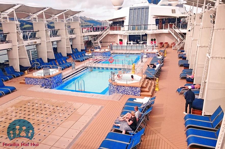 croaziere cu copii, Celebrity Cruises, Celebrity Solstice, pool