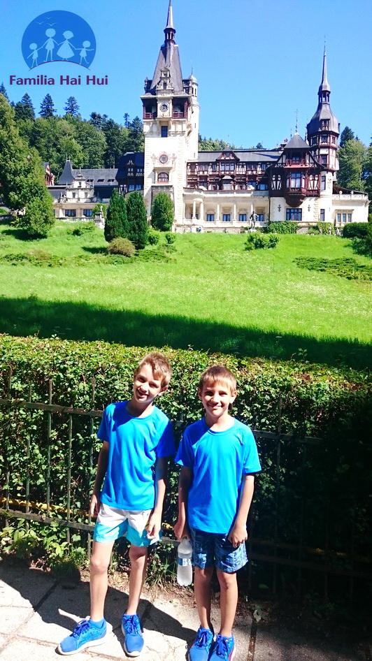 hotel Carpathia, castelul Peles